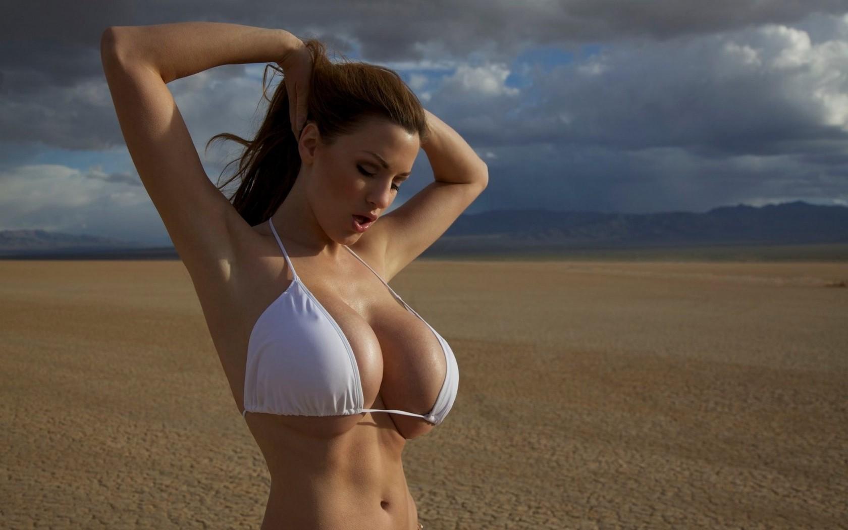 Телки с 4размером фото, Девушки с грудью 4 размера голые на домашних фото 2 фотография