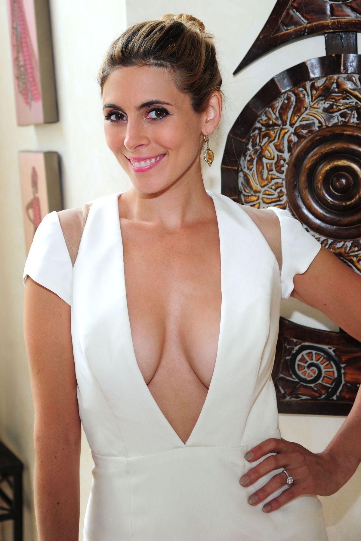 Jamie-Lynn DiScala nude 331